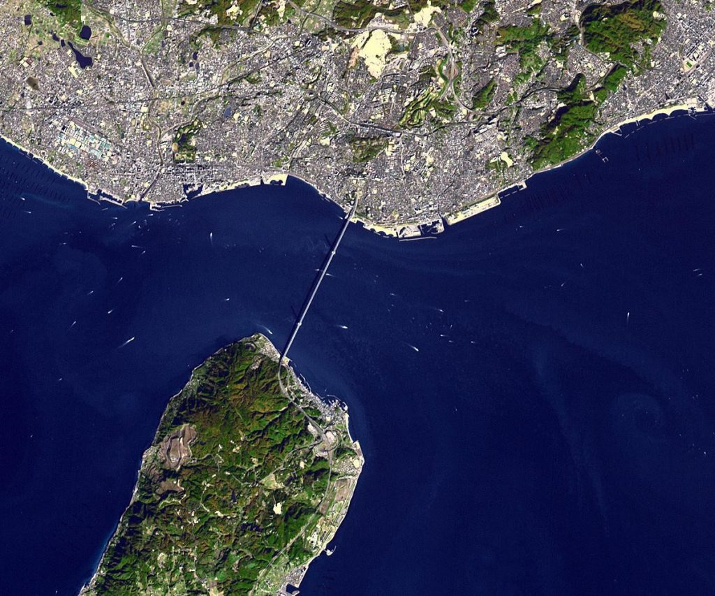 Aerial view of the Akashi Kaikyo Bridge over the Akashi Strait
