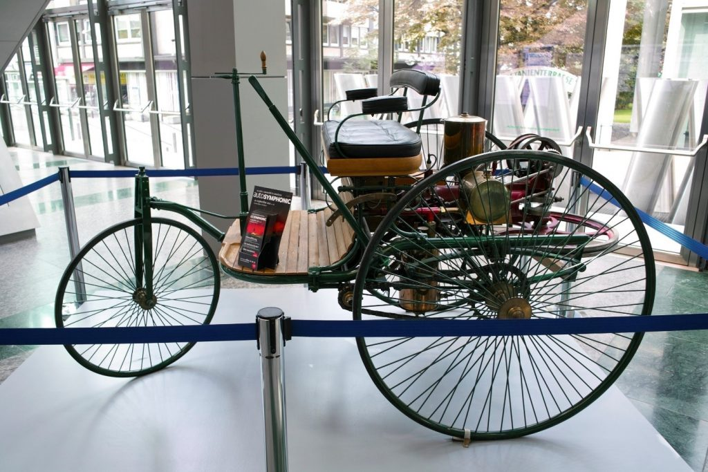 Carl Benz 1885 motorcar