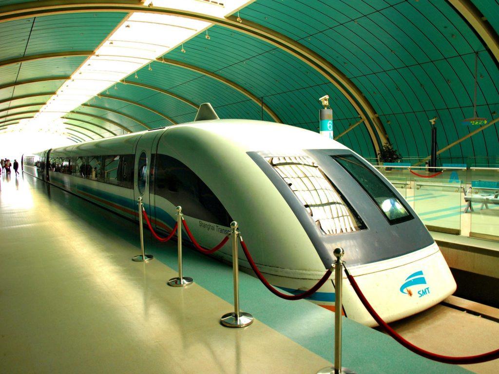 Shanghai Maglev rests at the station