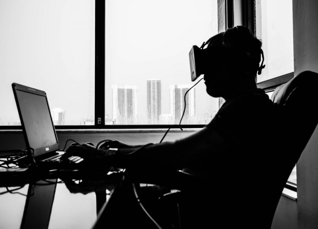 Spending time in a virtual world
